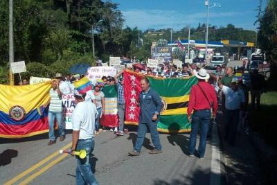 Comunidad reclama por posibles peajes en la vía a Barrancabermeja