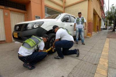 Multas por estacionamiento prohibido en Bucaramanga subieron un 64%