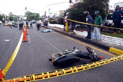 Un peatón perdió la vida tras ser atropellado por una moto