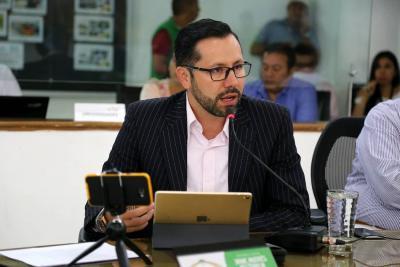 Acusan a concejal Jaime  Beltrán de doble militancia