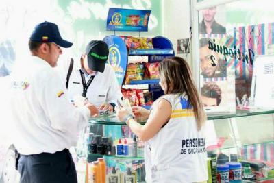 Investigan a 20 empresas de Bucaramanga que contrataban a 'precio de huevo' a venezolanos