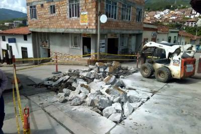 Falta de volquetas habría incidido en inundaciones en San Gil