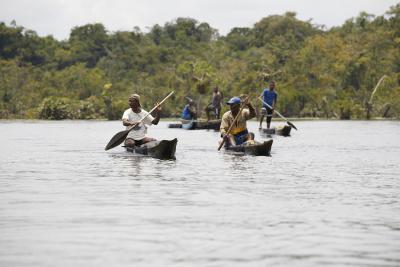 Los 'Pescadores de Mercurio' llegan a descontaminar los ríos en el Chocó
