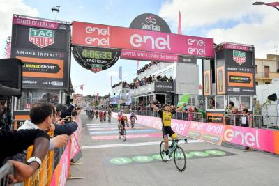 Enrico Battaglin se impuso en la etapa cinco del Giro de Italia