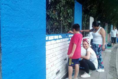Separados por más de 7.500 kilómetros, jóvenes de Bucaramanga y España pintan el mismo mural