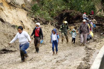 Emergencia en la vía a Cúcuta ha dejado 16 familias damnificadas