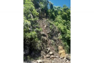 Siguen los derrumbes en Socorro y alrededores