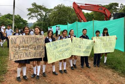 El CUS protesta por obra junto al Coliseo Cubierto
