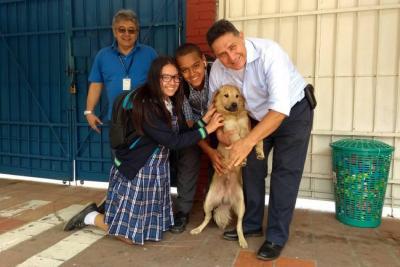 Lukas, el primer perro 'asistente de portería' en Floridablanca