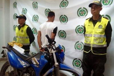 Policía detuvo a 'Brayan', minutos después de robar una motocicleta