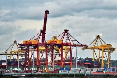 En primer trimestre, déficit comercial se redujo 36%