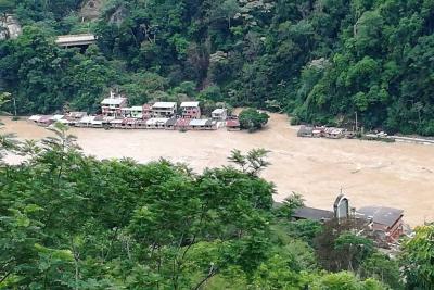 Creciente del río Cauca genera emergencia en Puerto Valdivia en Antioquia
