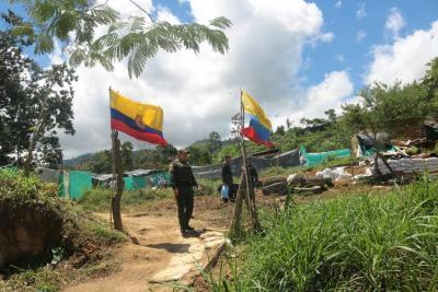 Cerca de 170 familias son desalojadas de un lote en el Norte de Bucaramanga