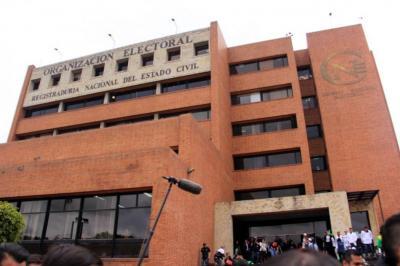 Políticos se muestran preocupados por supuesta corrupción en la Registraduría