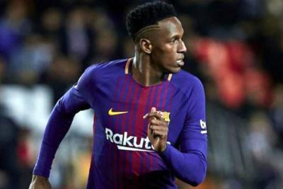 Yerry Mina fue titular con Barcelona en amistoso en Sudáfrica