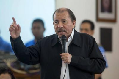 """Ortega lamenta muertes y asegura que Policía """"tiene la orden de no disparar"""""""