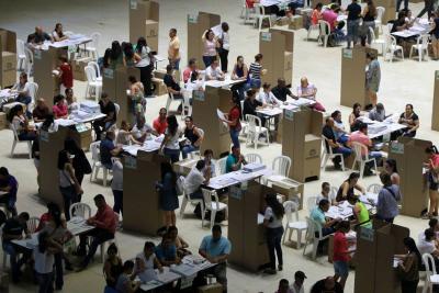 Continúa la polémica por presunto fraude en elecciones del Congreso