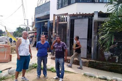 Comerciantes de 'Las Pulgas' en Girón están preocupados por desalojo