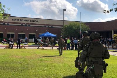 Confirman al menos diez muertos en el tiroteo en un instituto de Texas