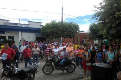 Protestan en Sabana por altos costos de la energía eléctrica