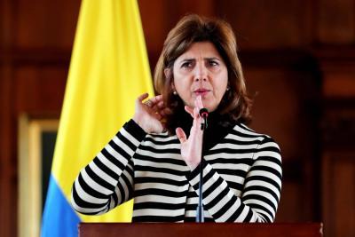 Mayoría de países desconoce triunfo de Maduro y EEUU endurece sus sanciones
