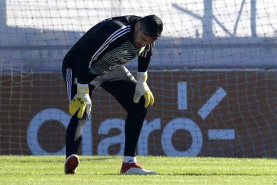 Arquero de Argentina, Sergio Romero, se lesionó y no disputará el Mundial