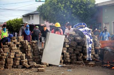 Gobierno de Nicaragua insiste que bloqueos en vías afectan la economía