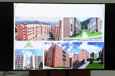 Presentan proyecto de vivienda ante entidades financieras
