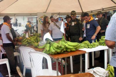 En Sabana se realizó mercado campesino