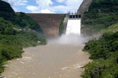 Por disminución de lluvias, se cerraron las compuertas del embalse Topocoro en Santander