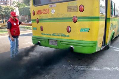 Control a vehículos 'chimeneas' dejó 12 inmovilizados en Bucaramanga