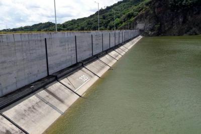 Disminución de lluvias permitió el cierre de las compuertas de Topocoro