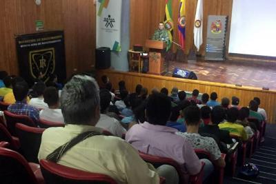 350 desplazados recibirán ayuda del Sena para empleo y educación