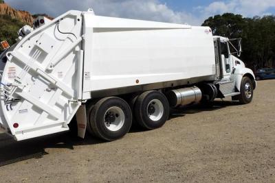Emab inició proceso para adquirir cinco camiones