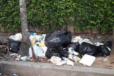 Van 312 'comparendos' ambientales por basura en Bucaramanga