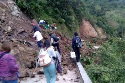 Habilitado un carril en la Vía Curos- Málaga tras derrumbe