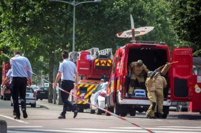 Ataque terrorista en Bélgica deja tres muertos