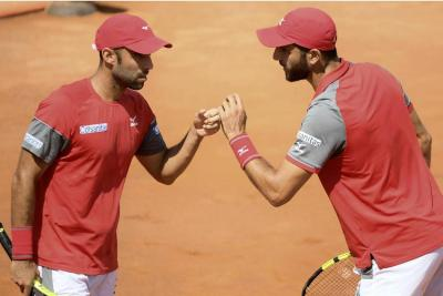 Cabal y Farah debutaron con triunfo en el Roland Garros