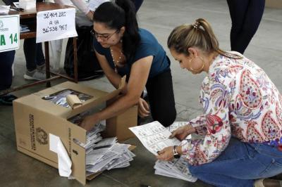 Gobierno revisará a profundidad las denuncias de fraude electoral