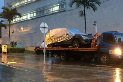 Trasladan a Bogotá tres vehículos de alta gama incautados al exgobernador Hugo Aguilar Naranjo