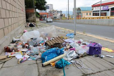 Indagarán a la Empresa de Aseo de Bucaramanga por recoger basura en volquetas