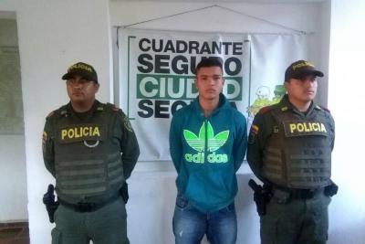 Capturan a un joven de 18 años de edad acusado de homicidio