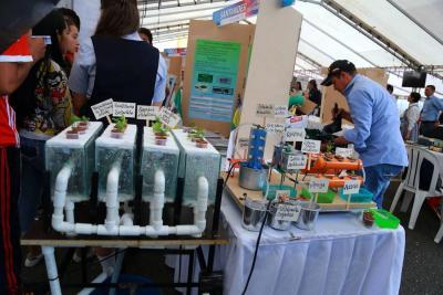 Con novedosa idea estudiantes de Galán evitan la contaminación del agua
