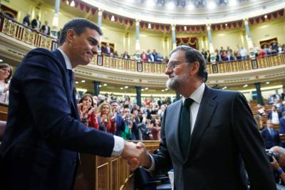 Sánchez derriba a Rajoy y toma el poder en España