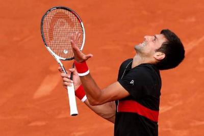 Djokovic, Zverev y Thiem se mantienen firmes en Roland Garros