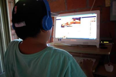 ¿Qué hacer si descubre que su hijo practica el 'sexting'?