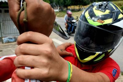 Atacan a cuchillo a mototaxista en medio de un presunto hurto en Santander