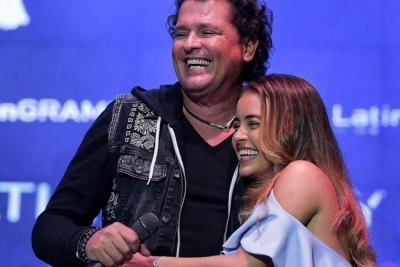 Joven promesa de la música colombiana recibe una beca Carlos Vives