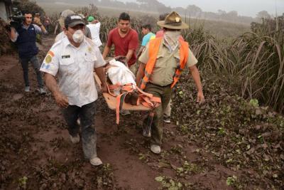 Subió a 84 el número de muertos en Guatemala por erupción del volcán de Fuego