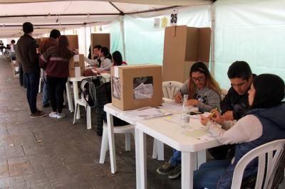 Se mueven las adhesiones presidenciales en Santander